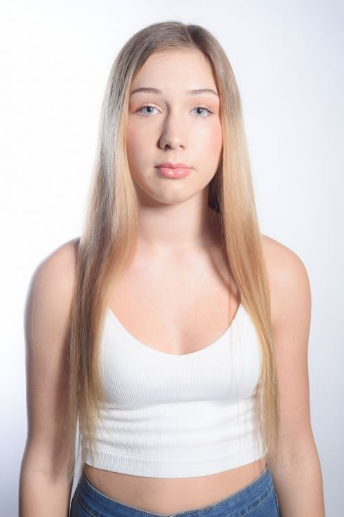 Ellie Raven